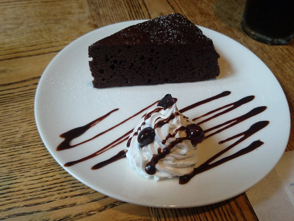 のや チョコレートケーキ