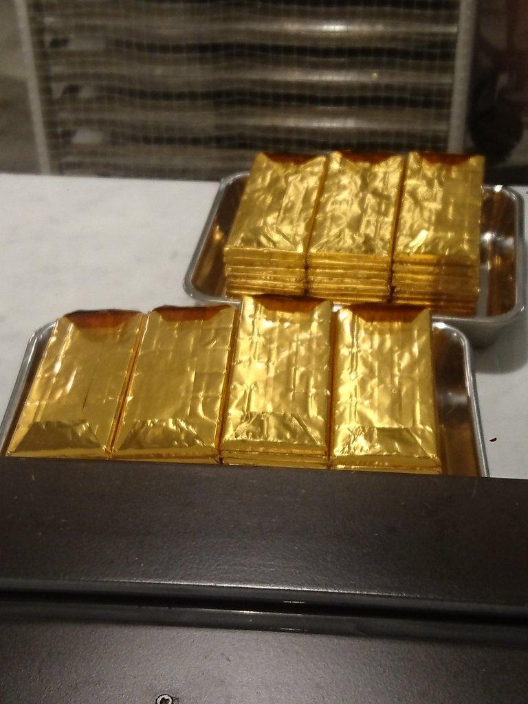 サタデイズ チョコレート紙