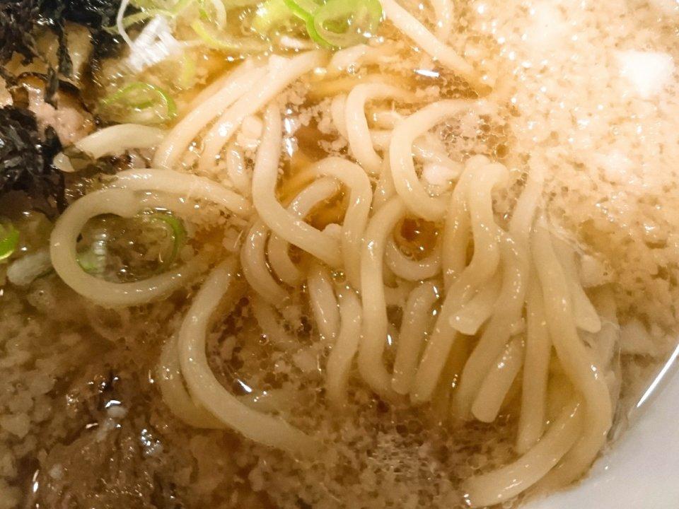らーめん心繋 違うタイプの背脂煮干 麺