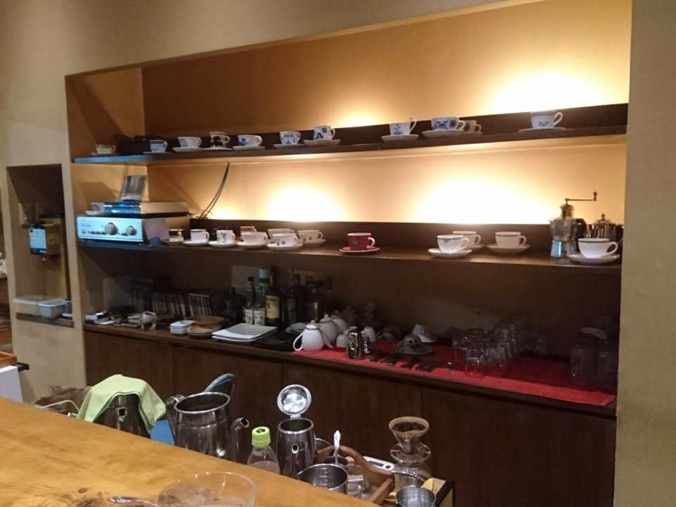 drop in cafe 店内