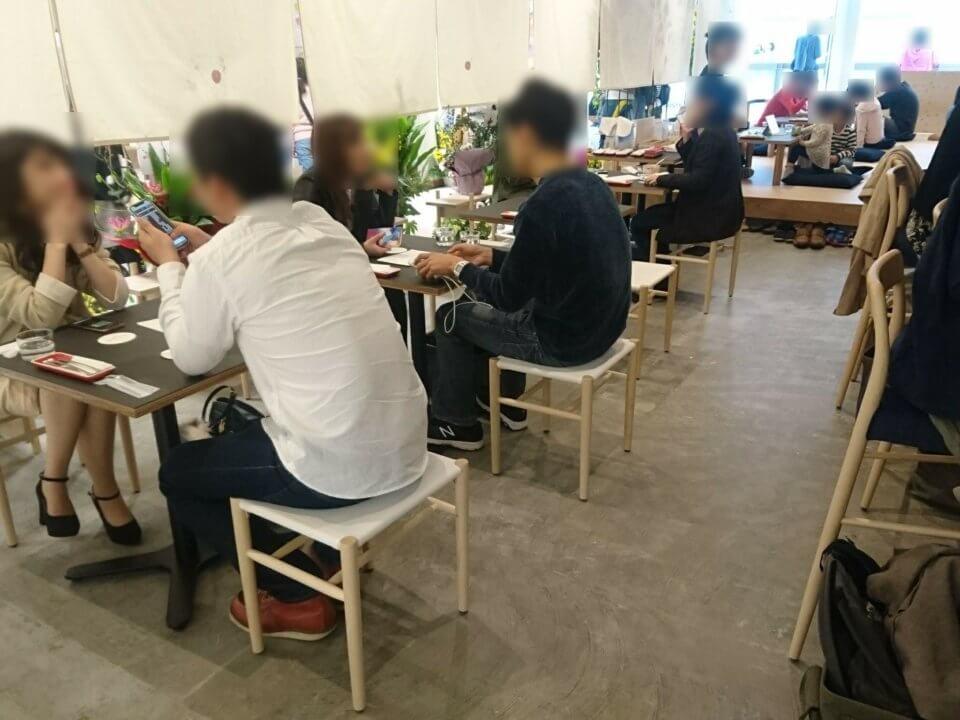 パーラーエノキ テーブル席