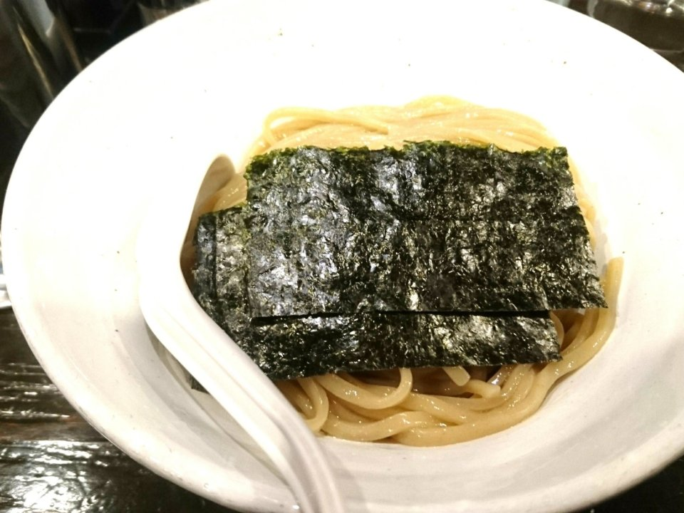 札幌Fuji屋 濃厚ニボ味噌つけ麺 麺