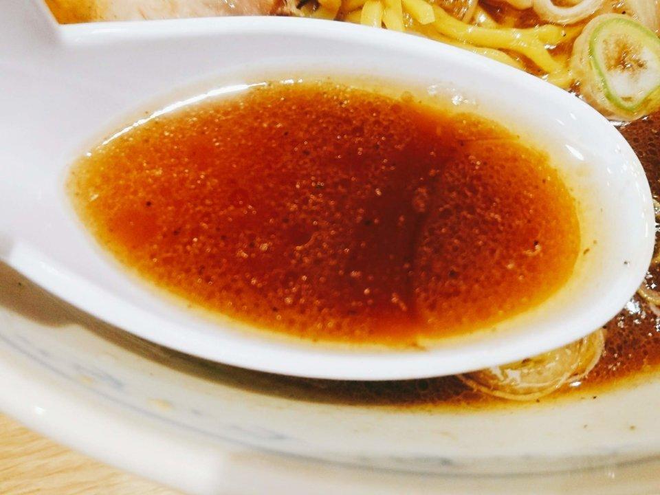 純連 札幌店 正油ラーメン スープ