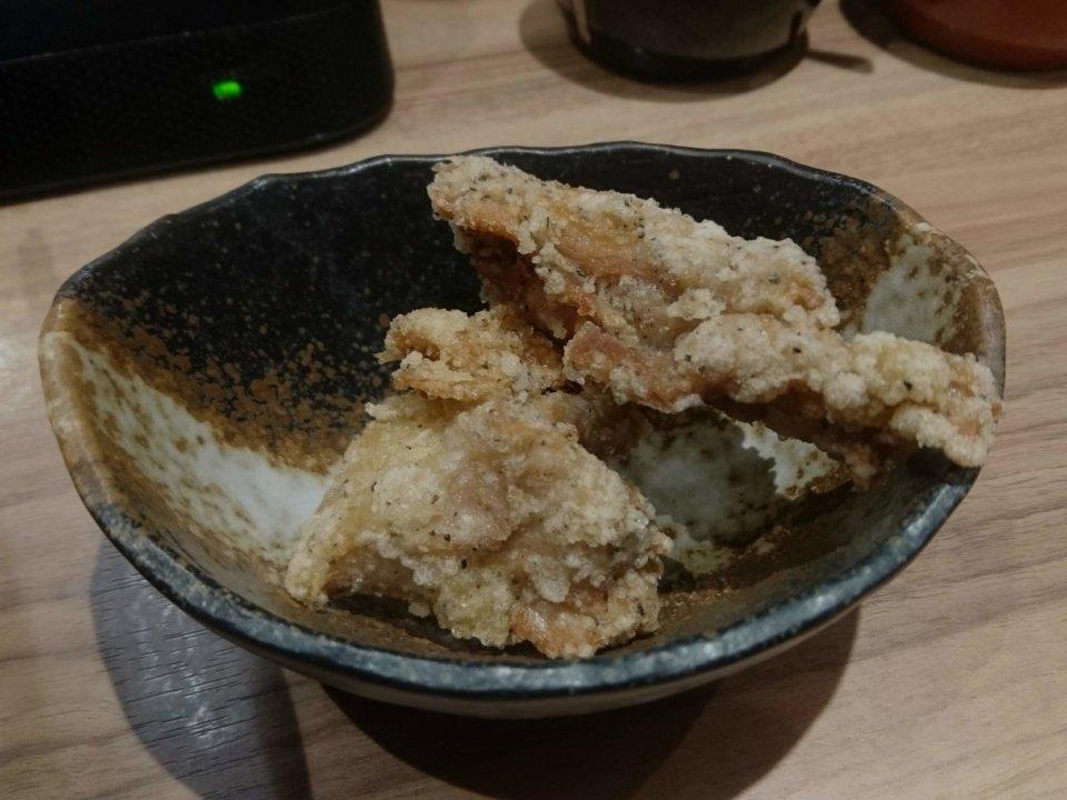 銀家 札幌宮の森店 とんこつ醤油ラーメン 自家製ザンギ