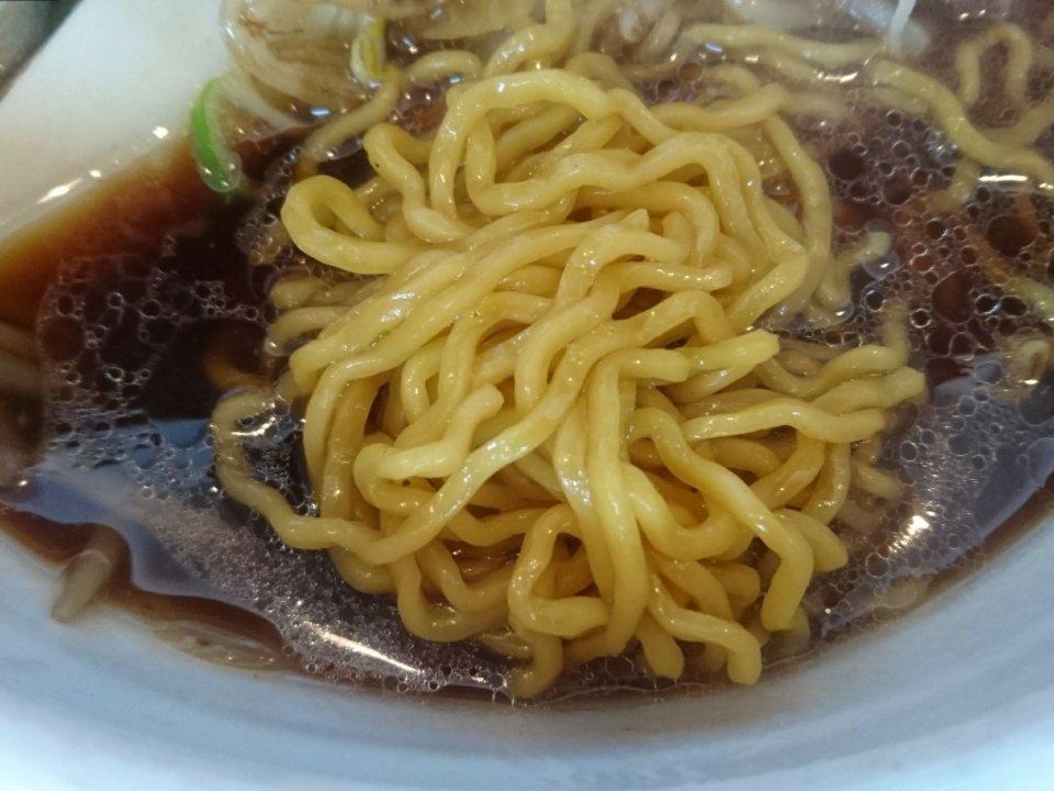らー麺 ふしみ すみれ風正油ラーメン 麺