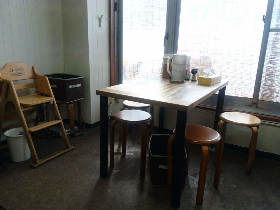 らー麺 ふしみ テーブル席