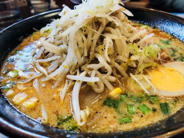 札幌ラーメン 直伝屋 マルヤマクラス店