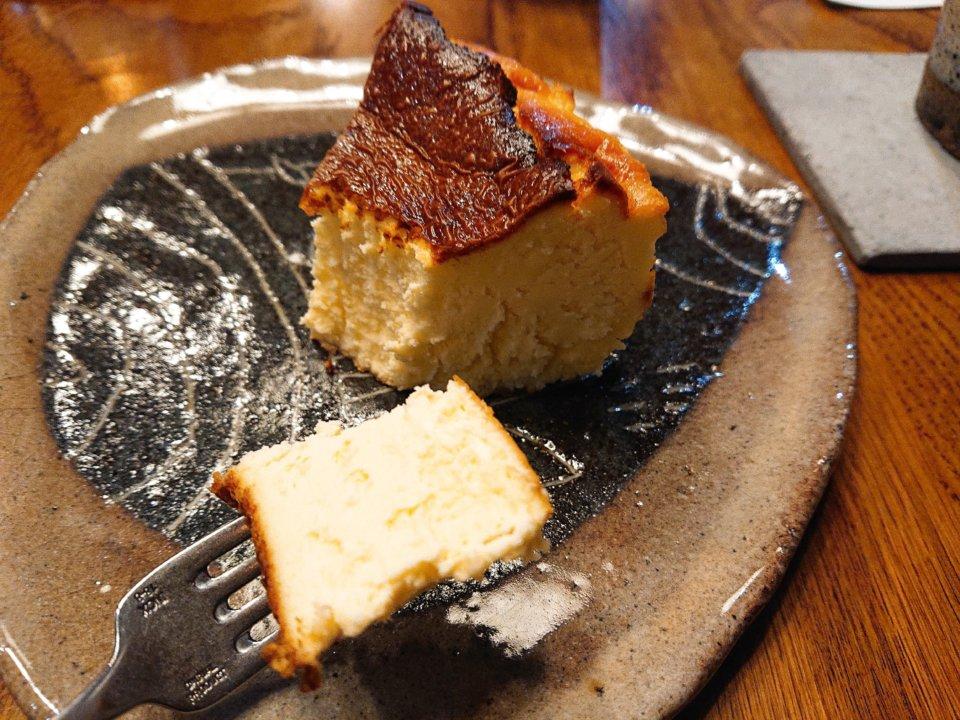 boiler(ボイラー)バスクチーズケーキ 断面